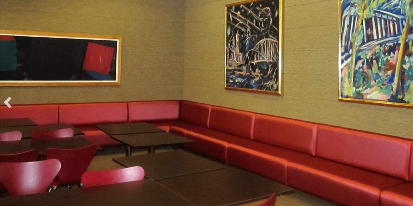 seating room art installation